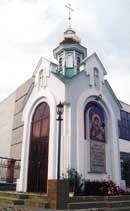Каплиця на честь ікони Охтирської Божої Матері. Сумська обл., м. Охтирка. 2004 р.